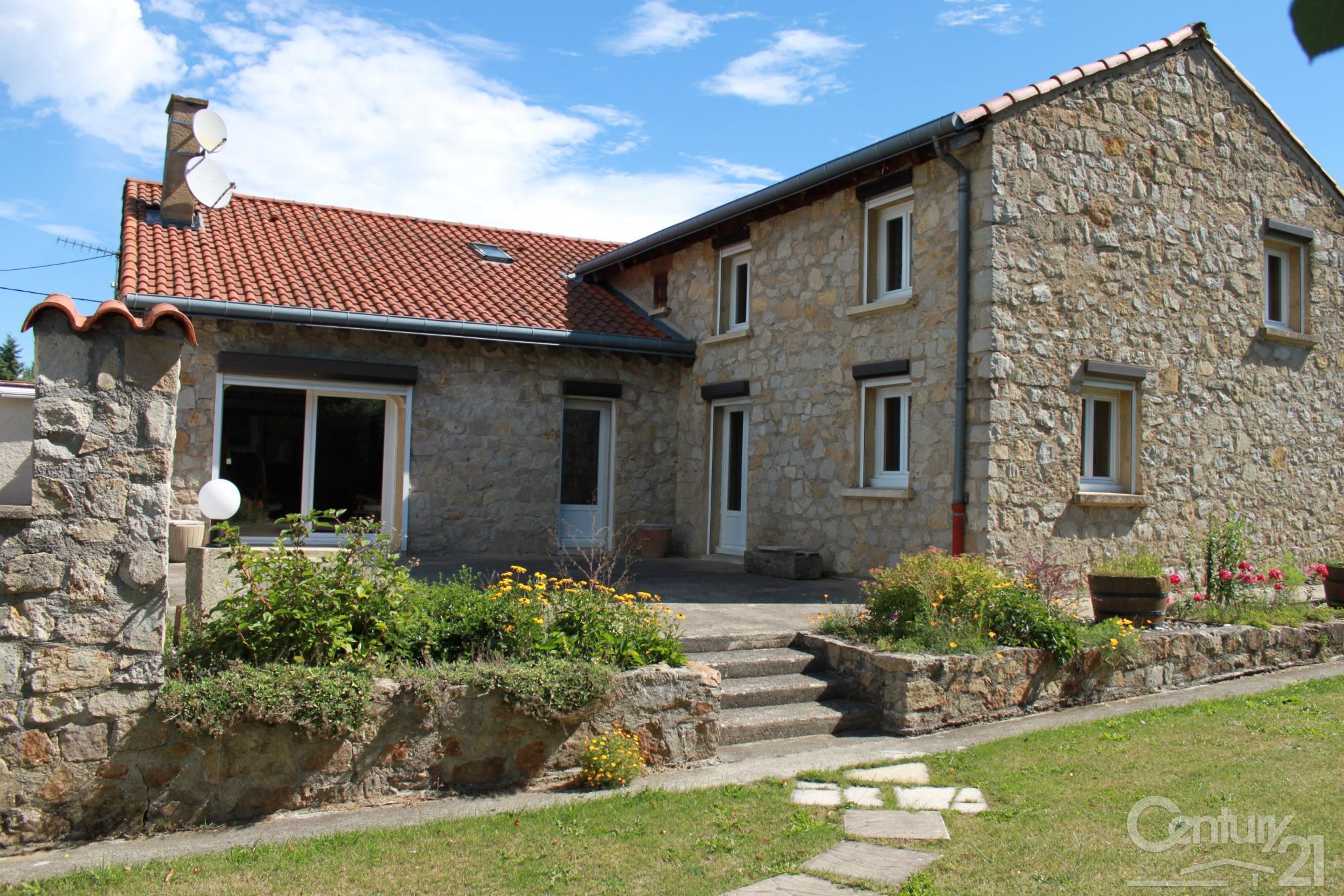 Fabulous maison vendre pices m lantriac auvergne with for Auvergne location maison